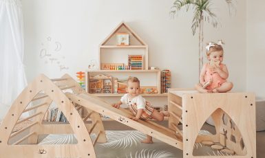 Baby and toddler play equipment