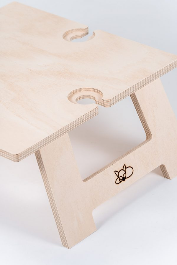 Side view of the square wine table